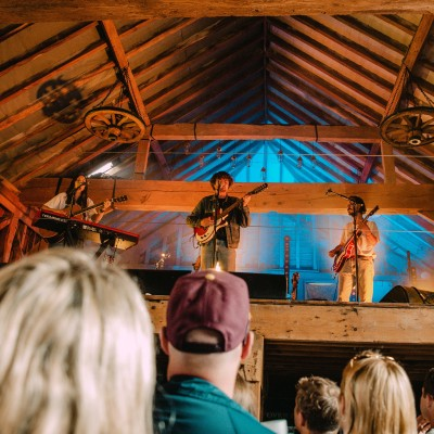 Barn on the Farm Review + Photoset 28